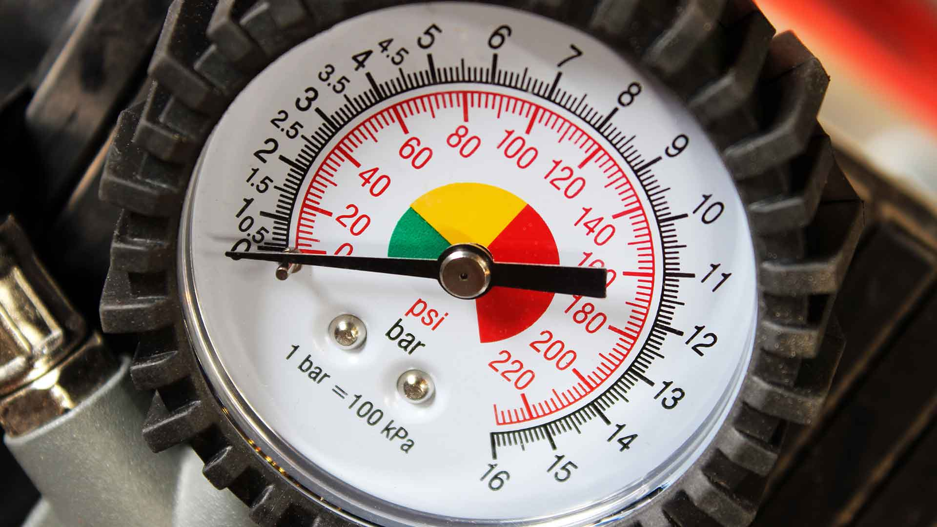 photo of the gauge of a compressed air measurement tool